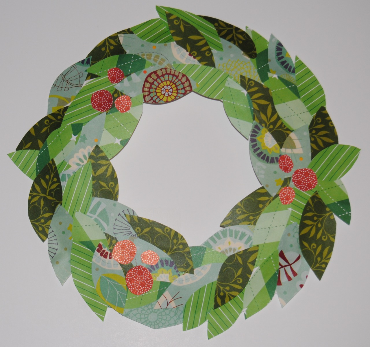 Christmas Craft Paper Wreath
