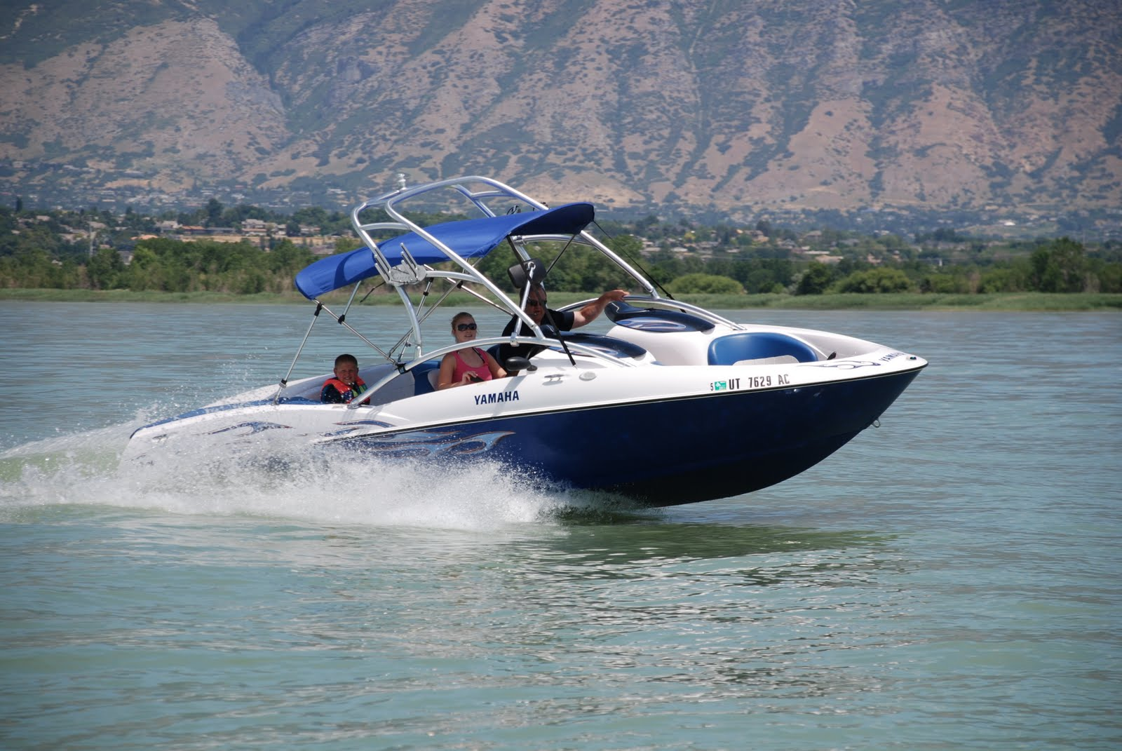New Utah Boat Al Added To The Line Up Yamaha Ls 2000 Wakeboat Seats 7 8 People Wakeboard Tower Racks Jet Propelled No Prop