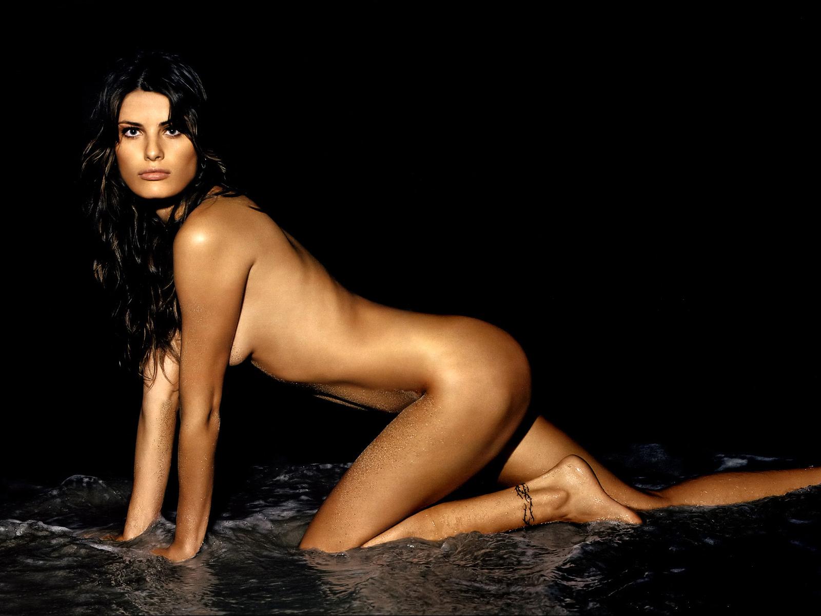 fontana Model hot isabeli
