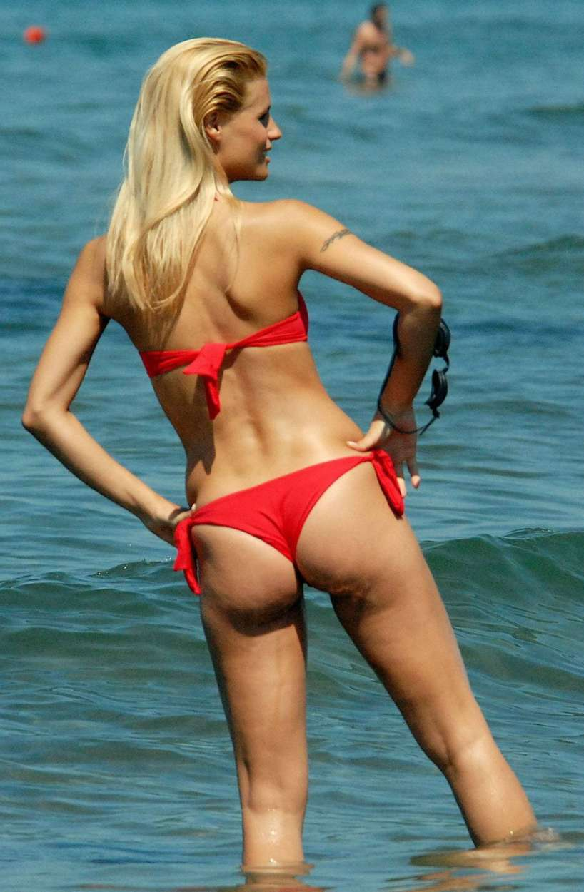 Indian Sweet Girl Wallpaper Wallpaper World Michelle Hunziker In A Sexy Red Bikini