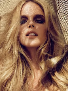 Wallpaper World: Shannan Click Hot Looks