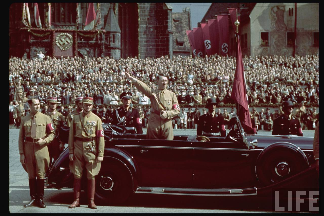 The rise of adolf hitler to power and his contribution to world war 2