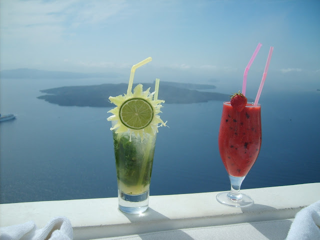 Santorini best summer cocktails