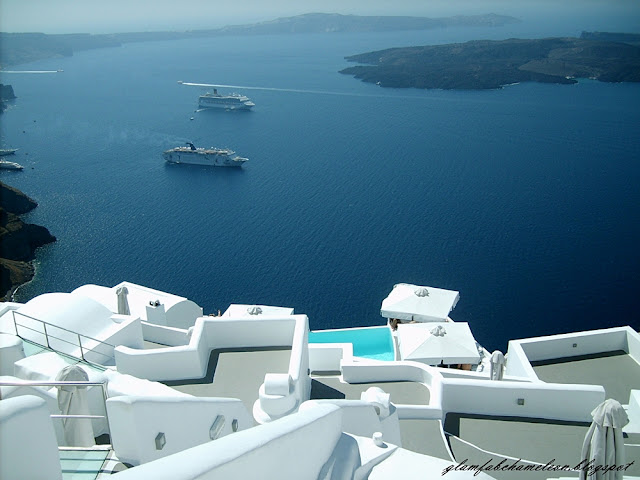 best luxury hotels in Santorini island and whole Greece