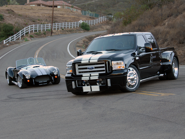 big ford trucks ford f350 super duty now reporting for duty. Black Bedroom Furniture Sets. Home Design Ideas