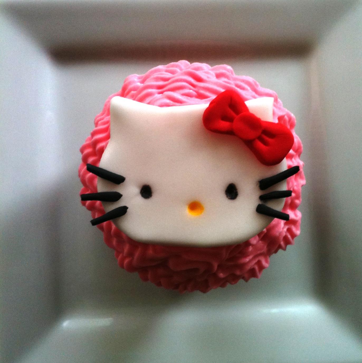 Sugar Hello Kitty Cupcakes
