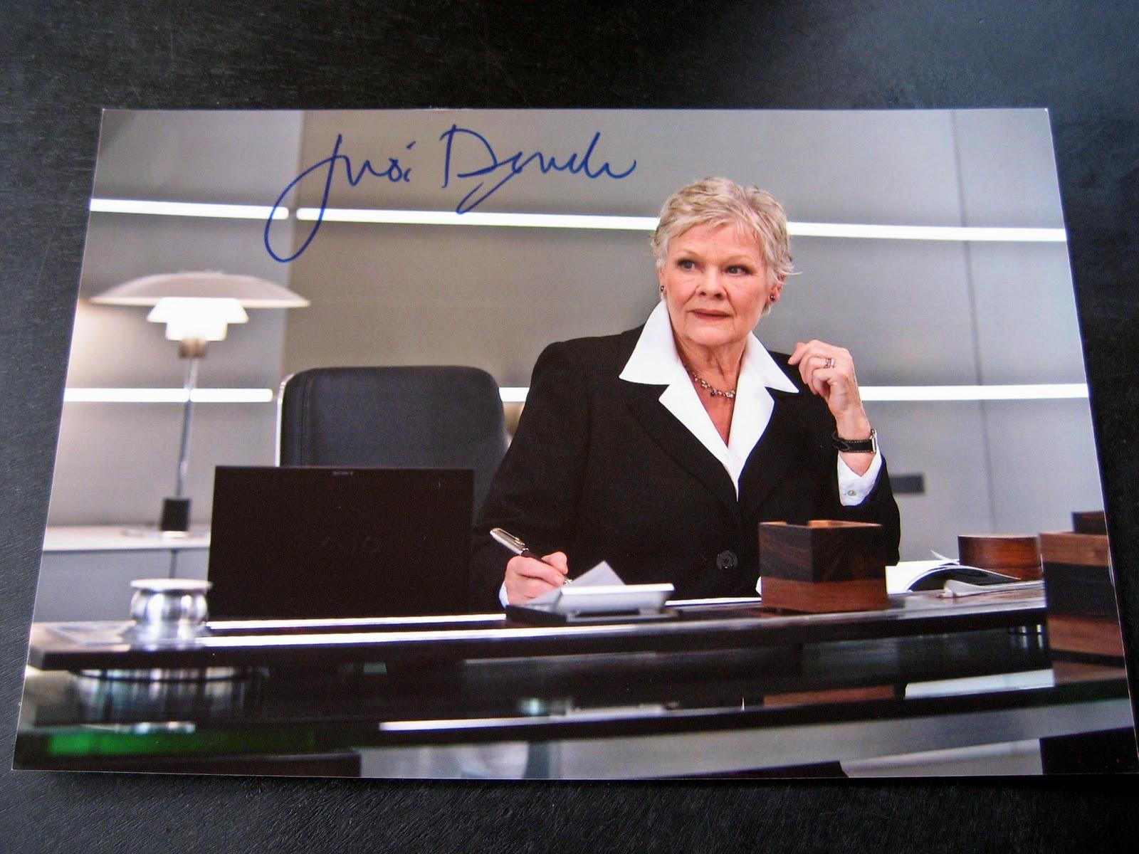 James Bond Collectibles: Autograph: Dame Judi Dench
