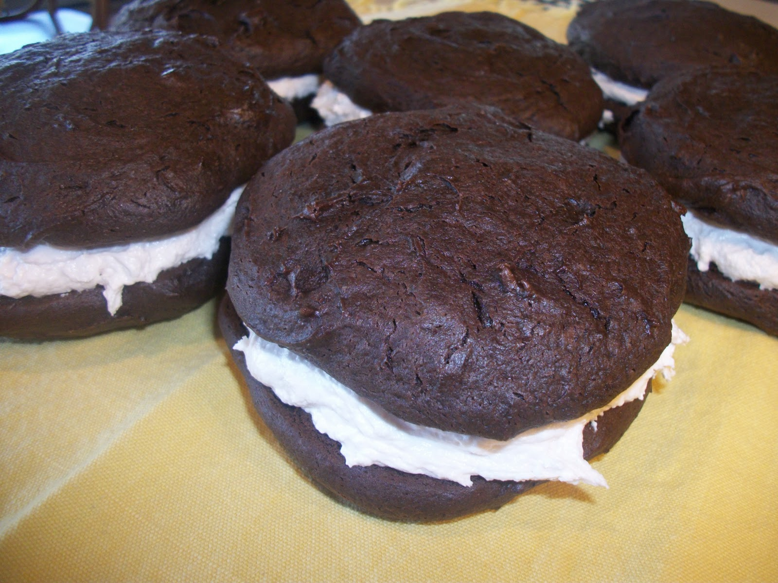 Large Whoopie Pie Cake Recipe Using Cake Mix