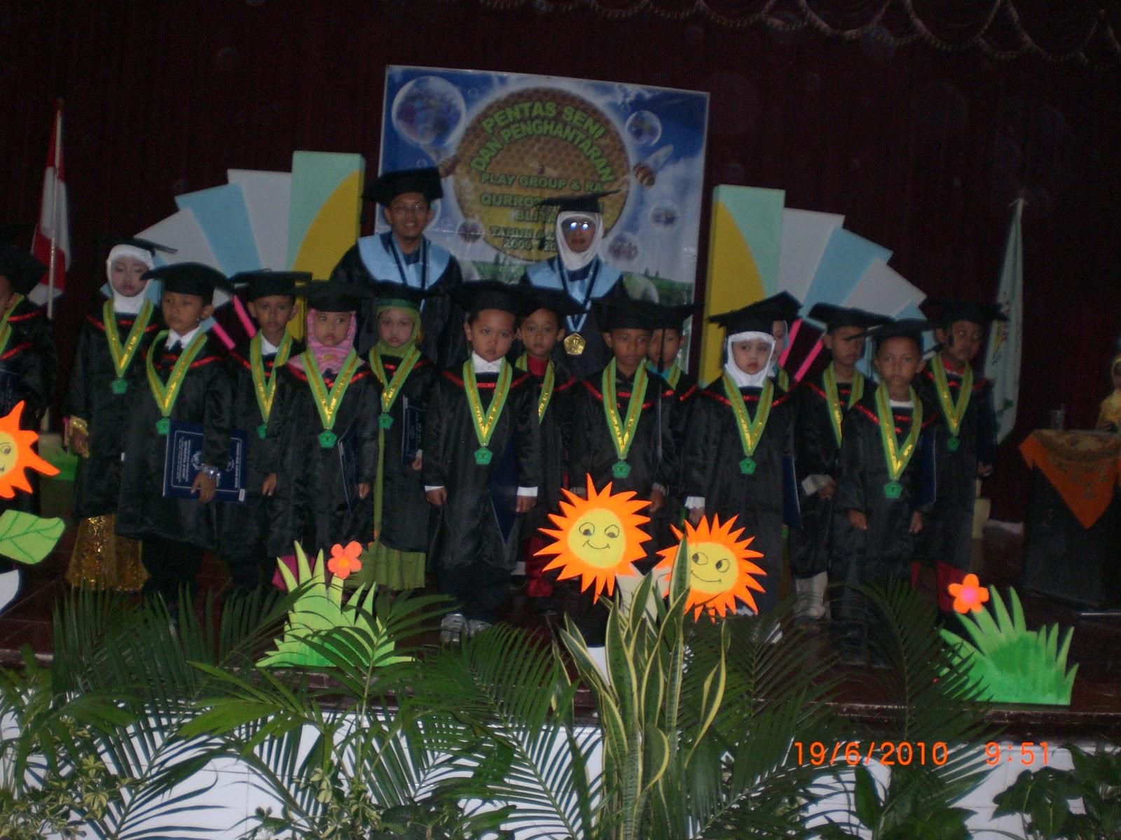 FOTO WISUDA PAUD QURROTA A YUN BLITAR  49663bfc6d