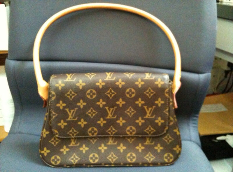 09e24b9de Louis Vuitton Mini Looping Handbag * Monogram LV * NICE (USD180.00 or Best  Offer). MONOGRAM CANVAS
