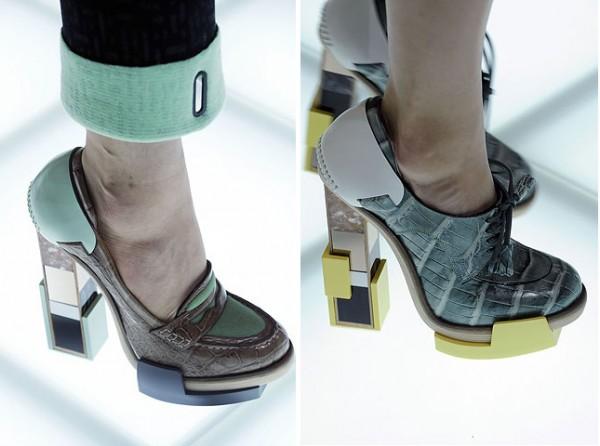 [balenciagas-fw-2010-footwear-details_4-500x372.jpg]