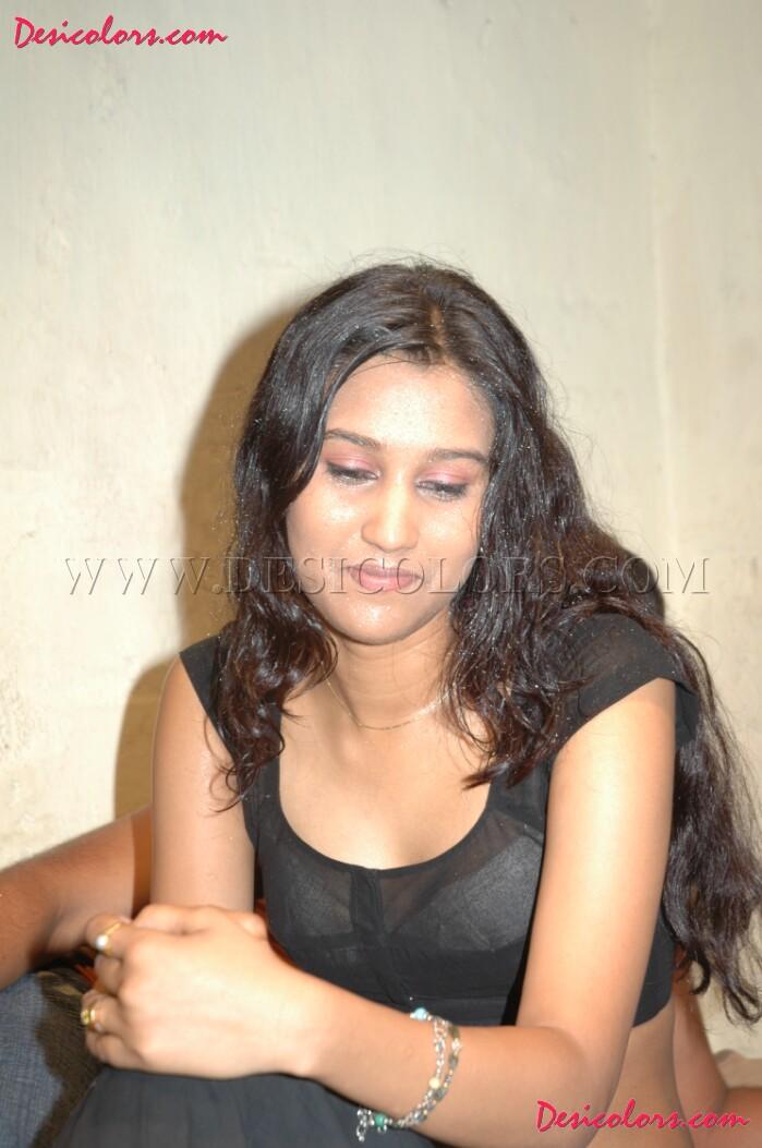 Indian Girls Hot Actress Mallu Reshma-8643