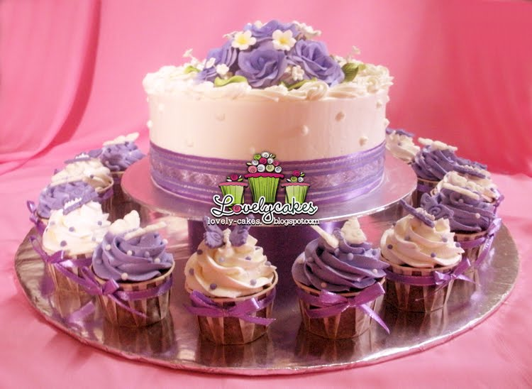 Purple Theme Wedding Cake Ika
