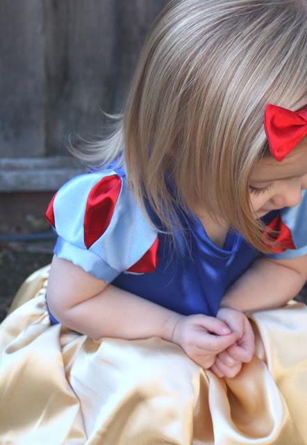 DIY Snow White Puff Sleeves Tutorial   DIY Snow White Costume Ideas For Halloween   snow white costume   snow white costume for kids