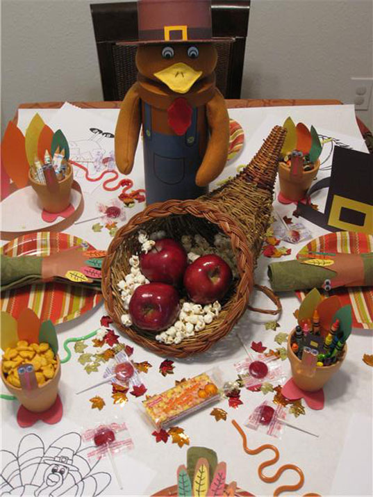 thanksgiving crafts, kids table, kids thanksgiving table, kids thanksgiving crafts