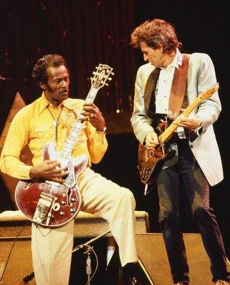 http://3.bp.blogspot.com/__DYRS8E-Qg0/TDyML3AJypI/AAAAAAAADMk/CDMg7isHP80/s400/Chuck-Berry-Keith-Richards.jpg