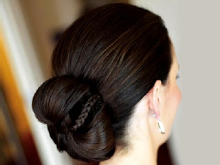 https://www.amazon.in/gp/search/ref=as_li_qf_sp_sr_il_tl?ie=UTF8&tag=fashion066e-21&keywords=Bridal Hairstyles&index=aps&camp=3638&creative=24630&linkCode=xm2&linkId=8a1659b7321eb8f5ef82d2ebbbbf5e67