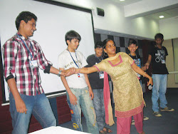 Dr. Annapurna Agrawal, (Staff head, Swayam Group NGO), conducts a First Aid workshop at T