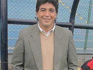 En el San Martín y sonriendo. ¿Quién no se alegraría de ser técnico de Cristal?