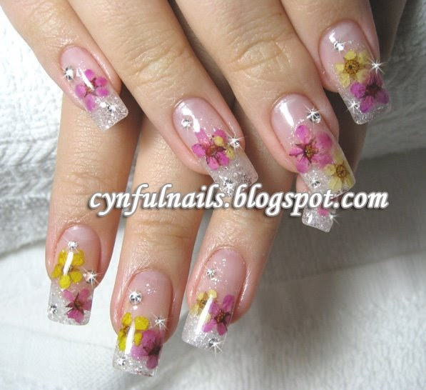 Cynful Nails: Inlay dried flowers again!