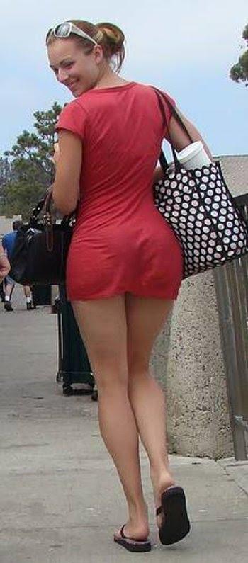 За следом за женщиной смотреть за жопой в платье