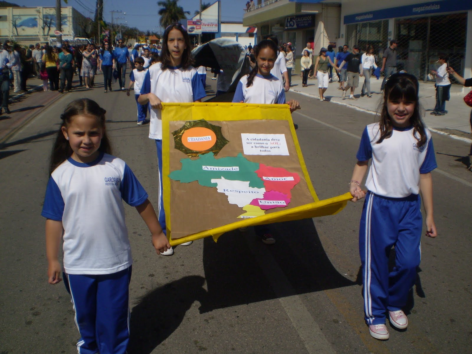 O Respeito à Diferença é Que Traz Equilibrio Ao Mundo: Escola Municipal De Ensino Fundamental Paula Martins
