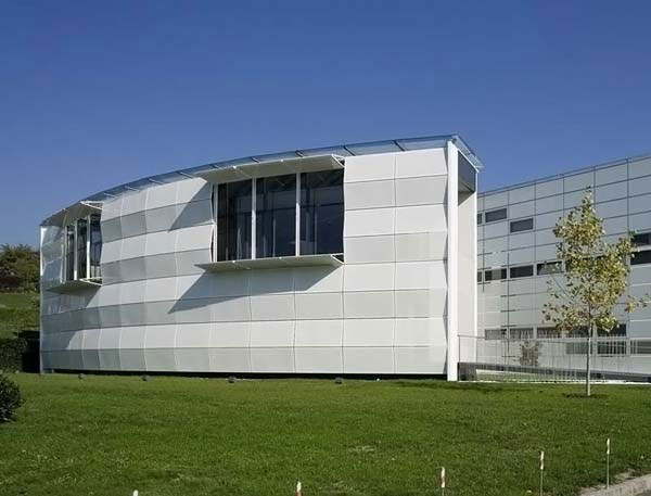 Architectural Design of Dynamic Facade by Giselbrecht + Partner ZT GmbH