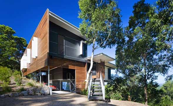 Tinbeerwah House in Australia by Bark Design