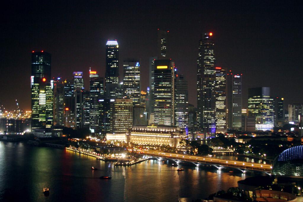 < Formula 1 2010 - GP de Singapur 26-09-2010 >