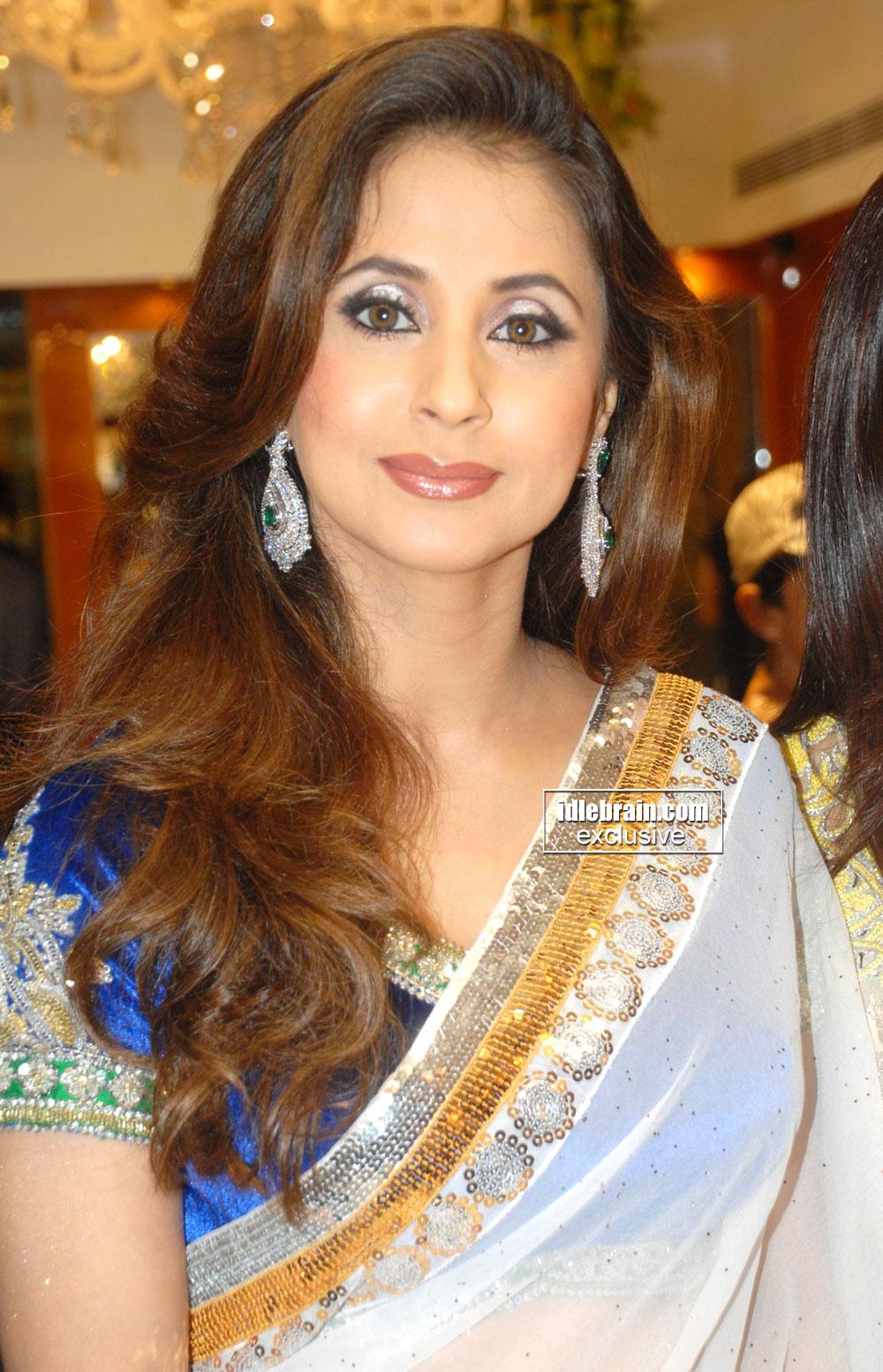 Hot Indian Actress Blog Urmila Matondkar Photos Looking -7589