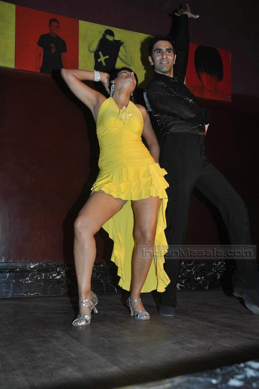 nude upskirt dance