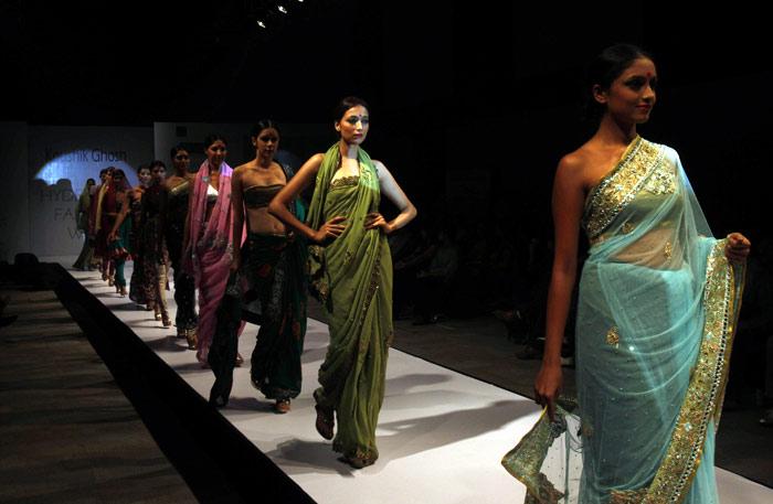 Telugu Cinema News: Saina Nehwal And Hot Models Photo Gallery