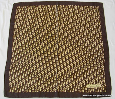 7a57183886df Dans ma boutique vintage  CHRISTIAN DIOR MONOGRAMME VINTAGE 70 s