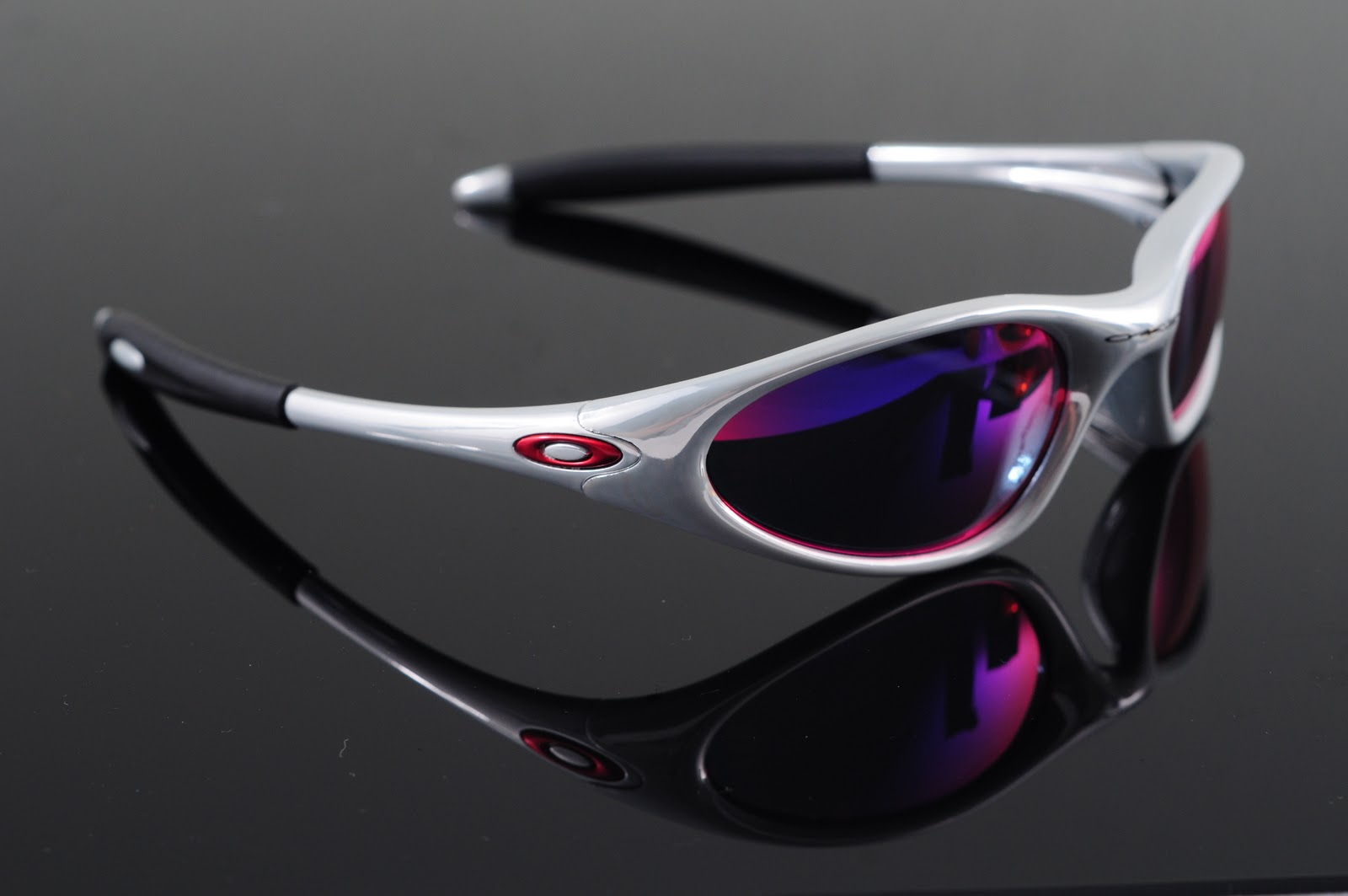 Oakley Fuel Cell Polarized >> Oakley Saint: Minute 1.0 Collections