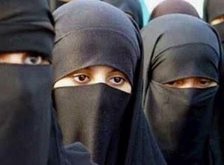 в Египте будет введён закон об обязательном ношении хиджабов для всех женщин.
