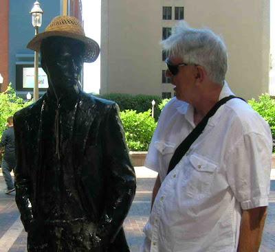 [bob+and+statue.jpg]