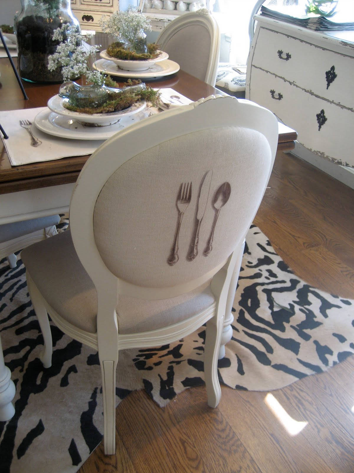 At Home Chairs Diy Chair Covers No Sew Living It Great Docksta Table