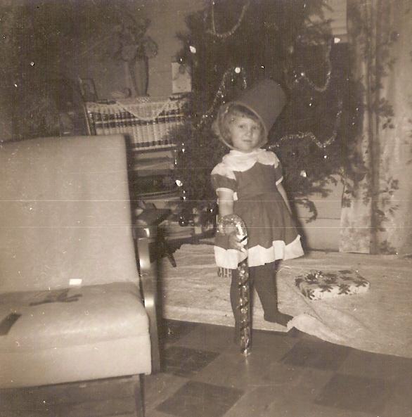 Silver Tinsel Christmas Tree With Color Wheel: Hickery Holler Farm: O Christmas Tree