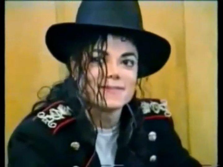 Subastan en París el legendario sombrero negro de Michael Jackson por mas  de 17.000 euros e9361c8aa16