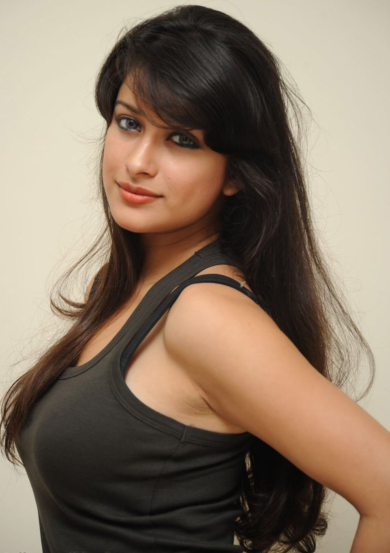 Tollywood Hot Heroines  Telugu Spicy Actress  Tollywood Hot News Actress Madhurima -9769