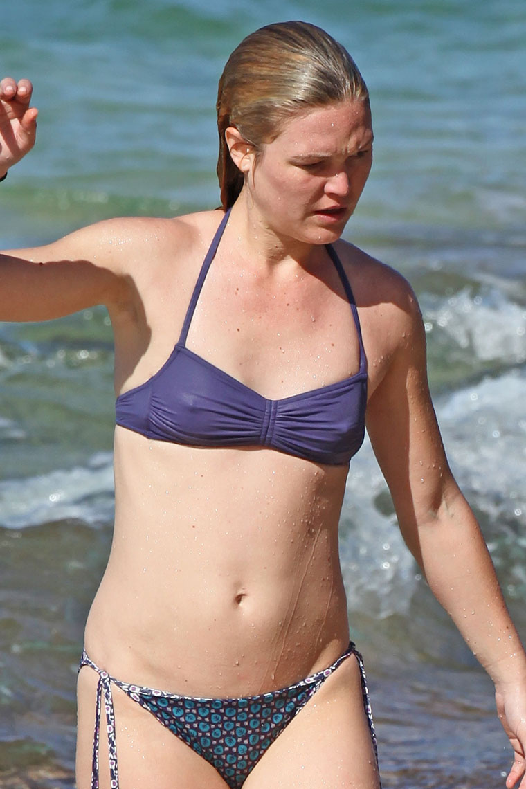 Julia stiles toes nude