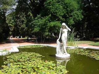 Buenos aires otra mirada mirando desde el jard n - Estatuas de jardin ...