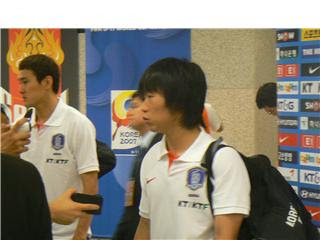 Lee Jung-soo (left) and Kim Do-heon