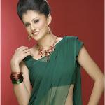 Aunty In Green Saree