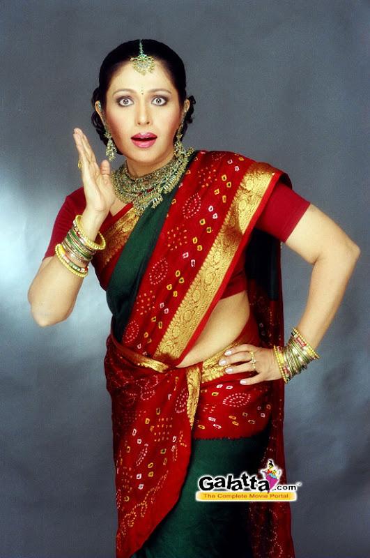 South Indian Cinema Actress: Mallu Aunty Hot And Saree