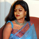 Mallu Actress Kushbu Hot In Saree