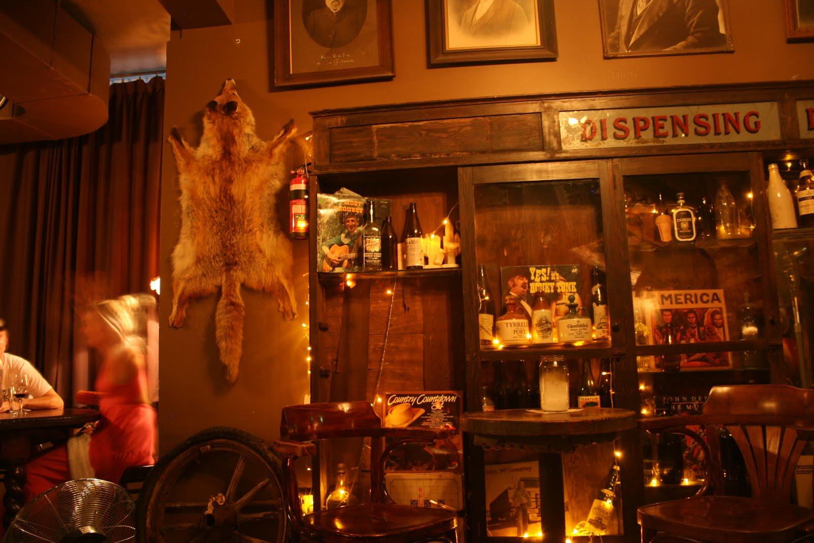 heodeza shady pine saloon bar