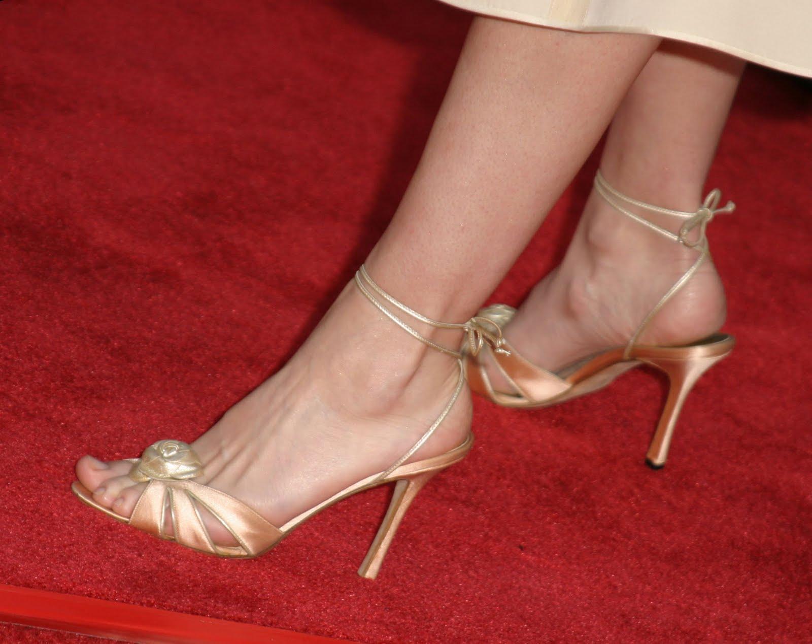 Amanda peet feet pics