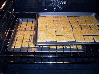 How to make Baked Crackers and Cheese.