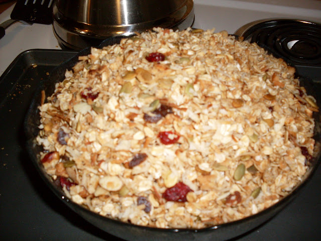 Soft Crunch Granola, made with 3 kinds of oats